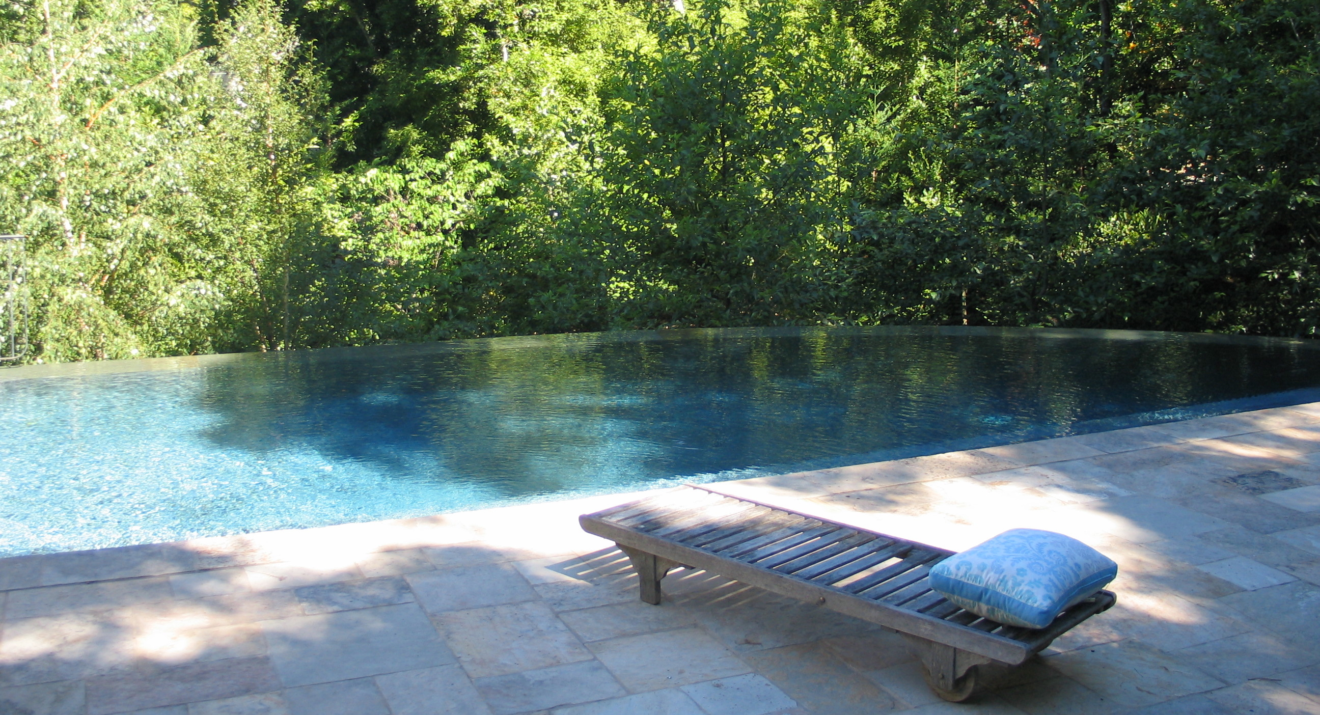 Chaise lounge and pool